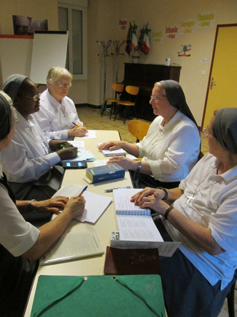 équipe de liturgie en plein travail